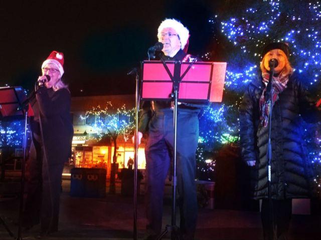 Halton JAZZ Singers Festive Jazzy tunes